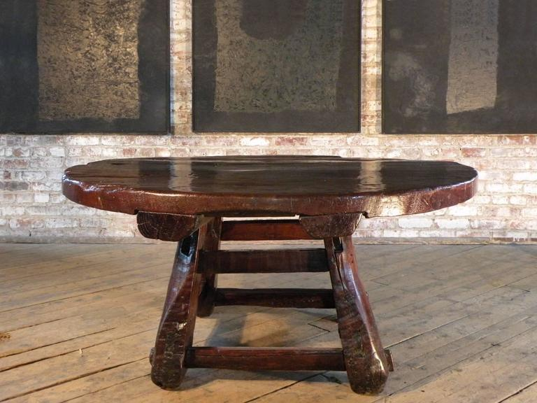 Unknown Asian 19th century Rustic Low Round Table For Sale