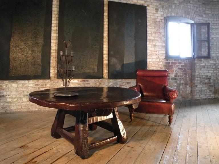 Hardwood Asian 19th century Rustic Low Round Table For Sale