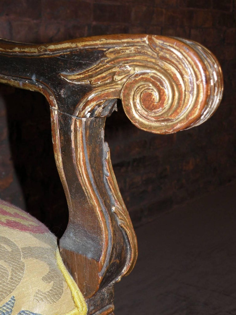 Long 18th Century Carved and Parcel-Gilt Spanish / Portuguese Settee For Sale 1