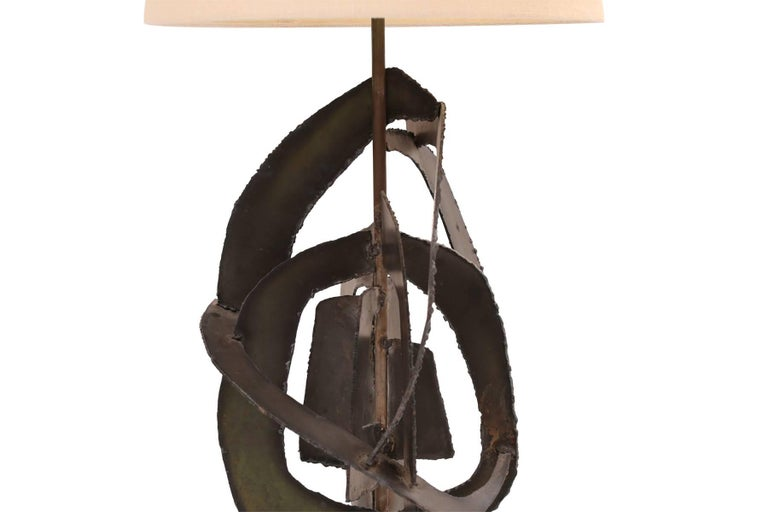 Harry Balmer for Laurel Lamp Company brutalist table lamp, circa mid-1960s. This massive example has a beautiful torch cut base with wonderful patina.