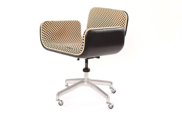 Rare All Original Alexander Girard For Herman Miller Office Chair From 1967 This Example Has