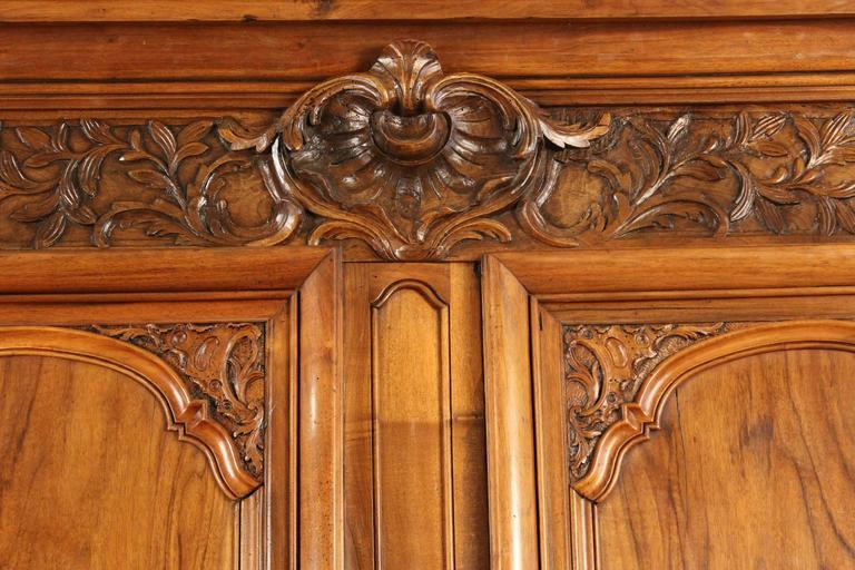 Early 19th Century Louis XIV Style Armoire For Sale