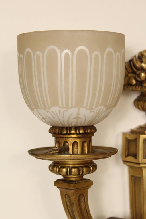 Early 20th Century Pair of Louis XIV Style Gilt Bronze Wall Sconces For Sale