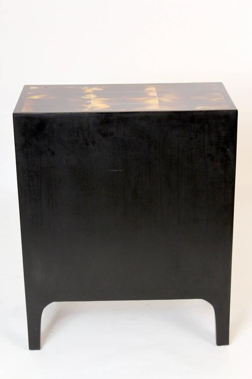 Modern Style Cow Horn and Lacquered Three-Drawer Chest of Drawers For Sale 3