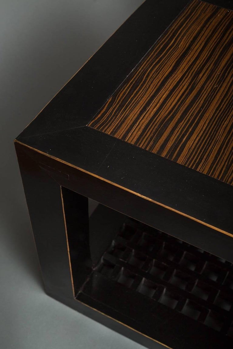Pair of Chinese Black Lacquer Cube Tables In Excellent Condition For Sale In Hudson, NY