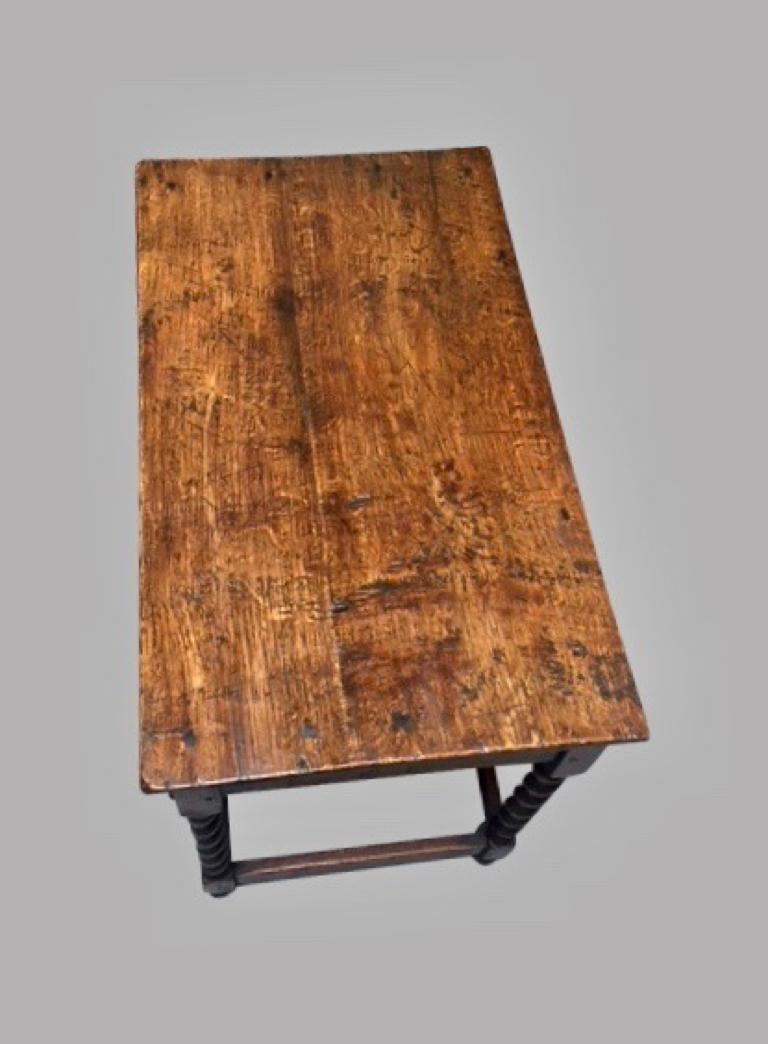 James II English Oak Side Table with Drawer For Sale 7