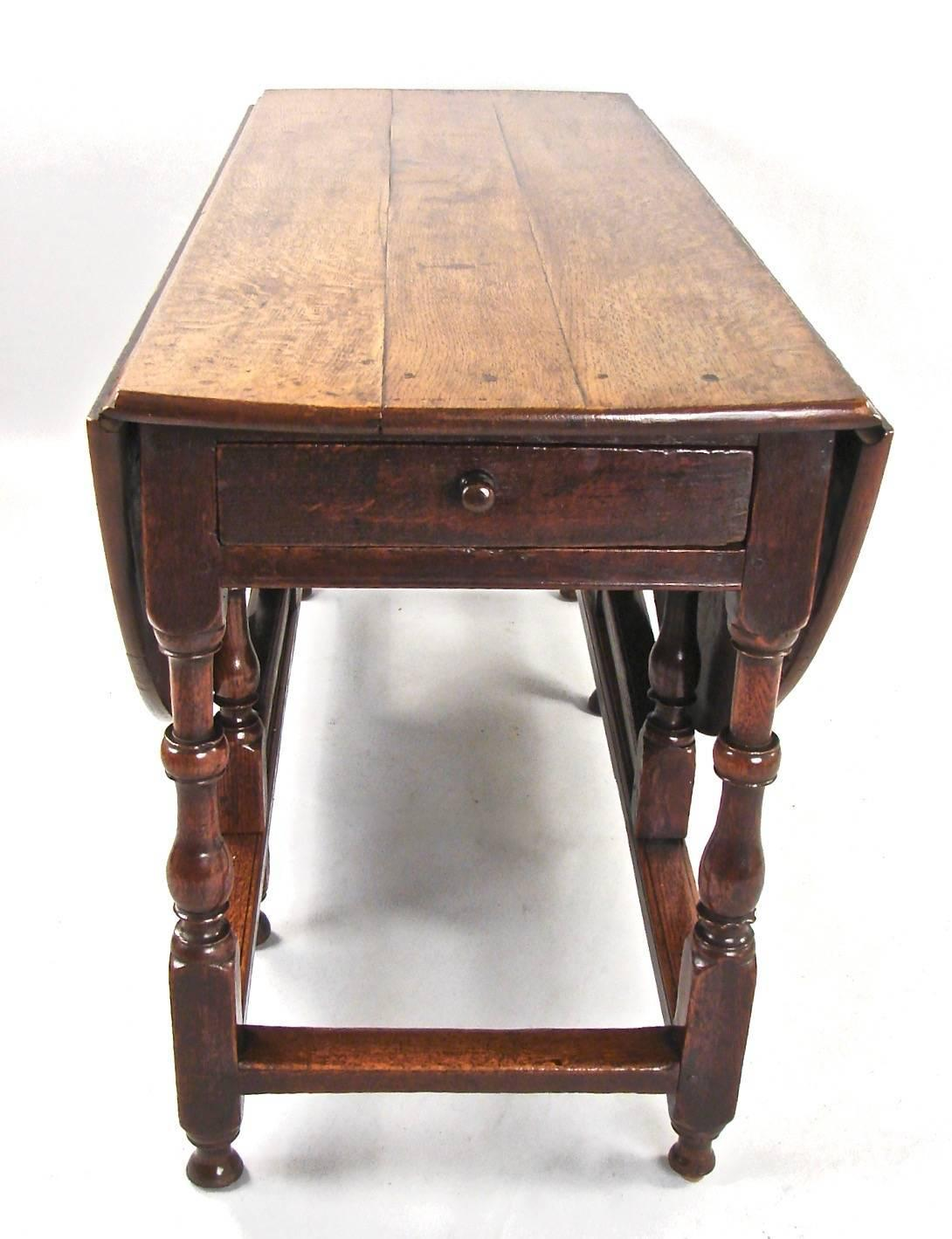 English Late 17th Century Oak Drop Leaf Table With Drawer For Sale At . Full resolution  photograph, nominally Width 1090 Height 1419 pixels, photograph with #985F33.