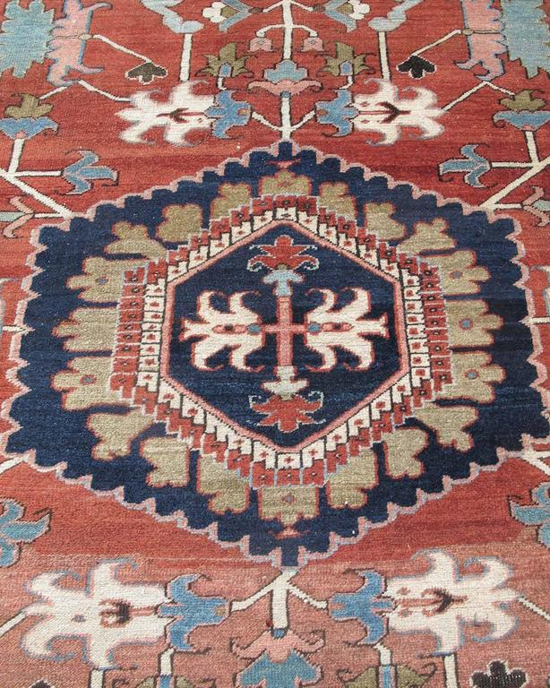 Late 19th Century Red Serapi Heriz Carpet with Central Indigo Octagon For Sale 1