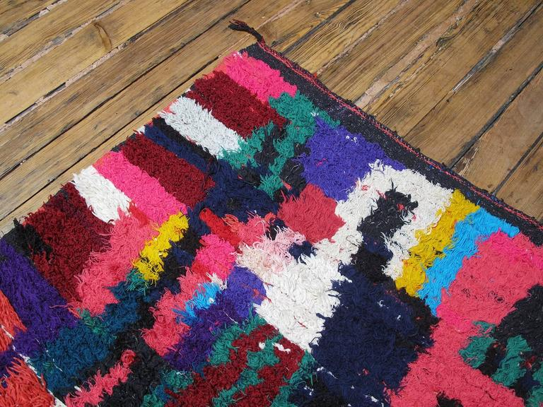 Azilal Moroccan Berber Rug In Good Condition For Sale In New York, NY