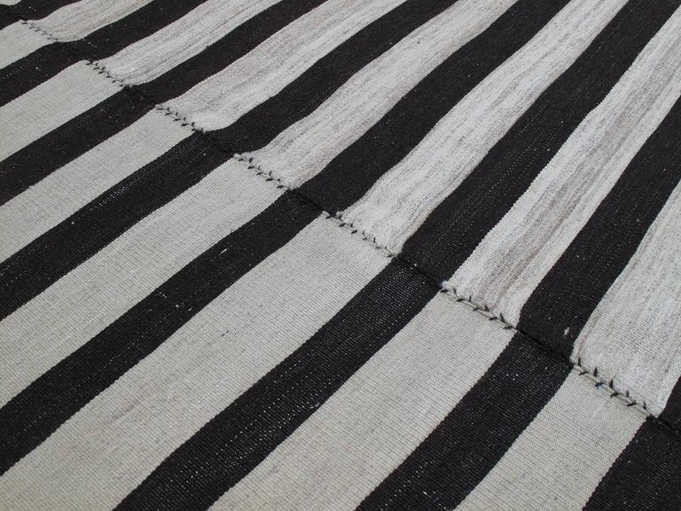 Banded Mazandaran Kilim In Good Condition For Sale In New York, NY