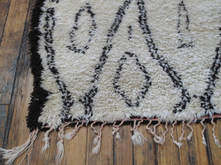 Excellent Beni Ouarain Moroccan Berber Carpet For Sale 1