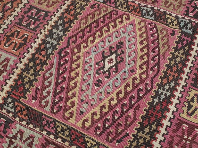Superb Antique East Anatolian Kilim Rug In Good Condition For Sale In New York, NY