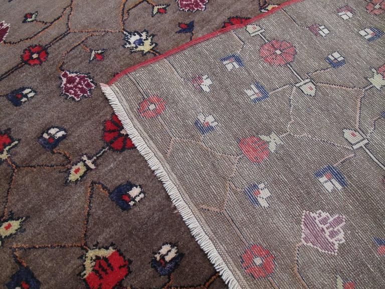 Karapinar Rug with Flower Lattice Design 9