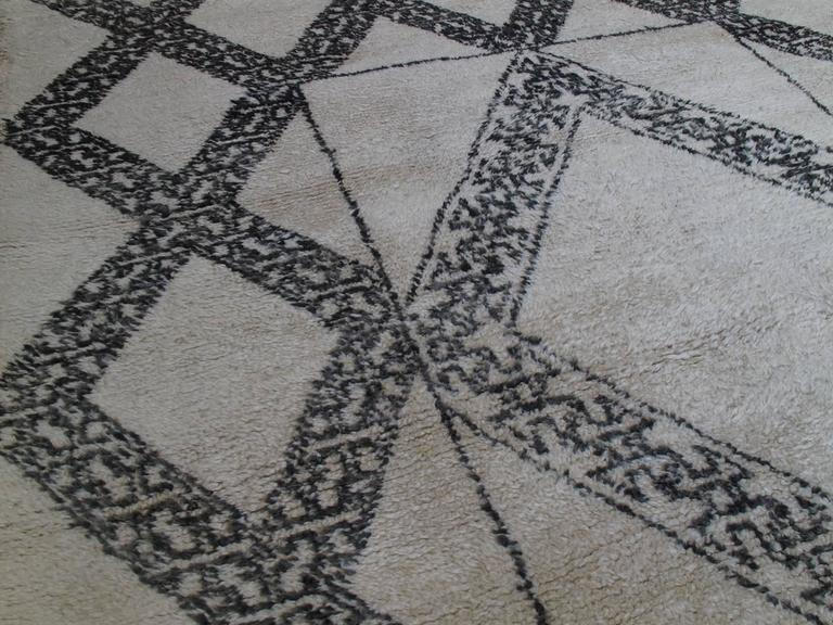 Unusual Marmoucha Berber Moroccan Rug In Good Condition For Sale In New York, NY