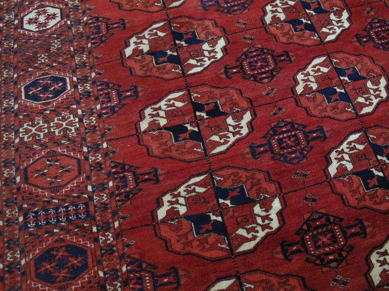 Antique Turkmen Main Carpet In Good Condition For Sale In New York, NY