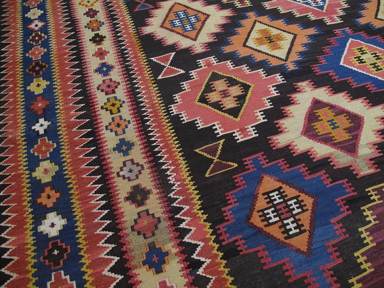 Large Azeri Kilim Rug In Good Condition For Sale In New York, NY