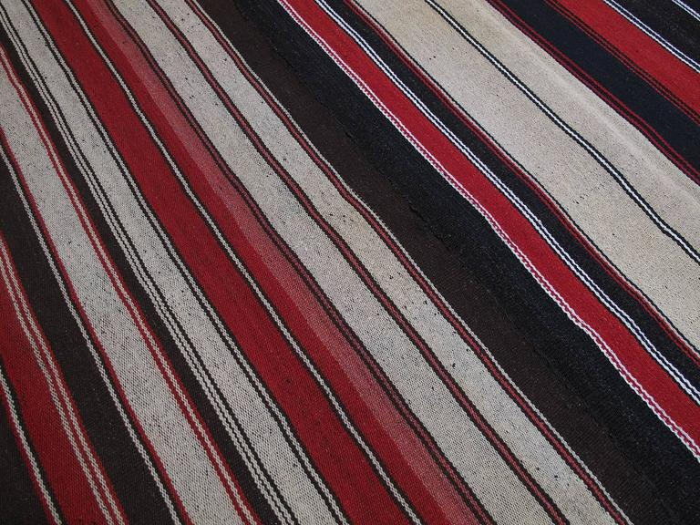 Large Kilim with Vertical Stripes In Good Condition For Sale In New York, NY