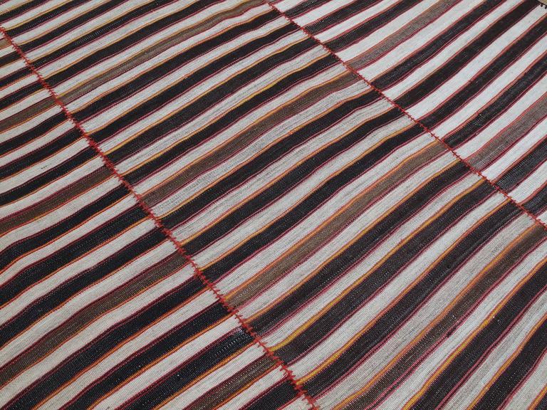 Mazandaran Kilim In Good Condition For Sale In New York, NY