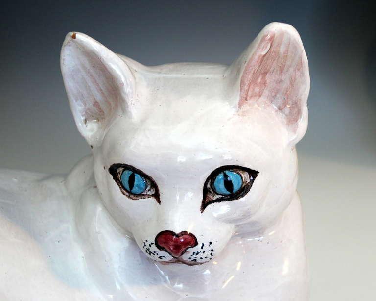 Vintage 1960s Italian Art Pottery Raymor Majolica Cat Figure on Pillow For Sale 3