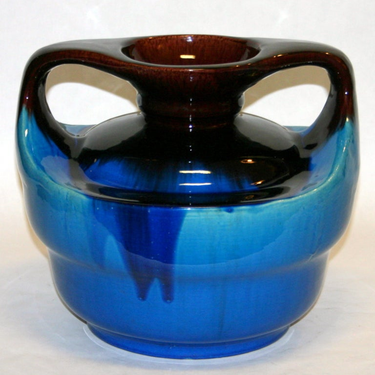 Large Kyoto pottery vase in aubergine and turquoise flambé glaze, circa 1920s. Measures: 11