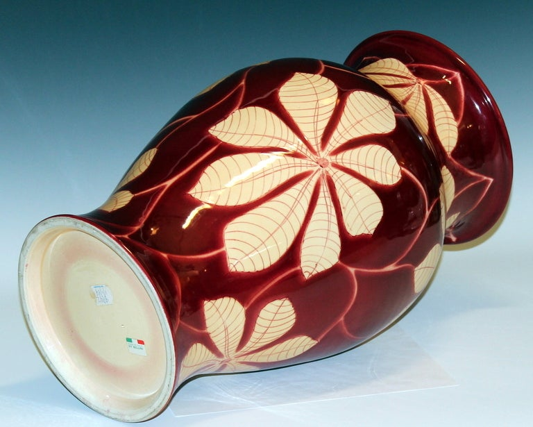 Vintage Italian Bellini Pottery Vase for Wannamaker's In Excellent Condition For Sale In Wilton, CT