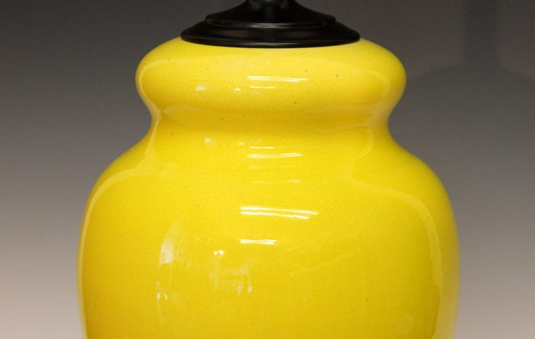 Alvino Bagni Atomic Chrome Crackle Yellow Italian Pottery Raymor Gourd Lamp In Excellent Condition For Sale In Wilton, CT