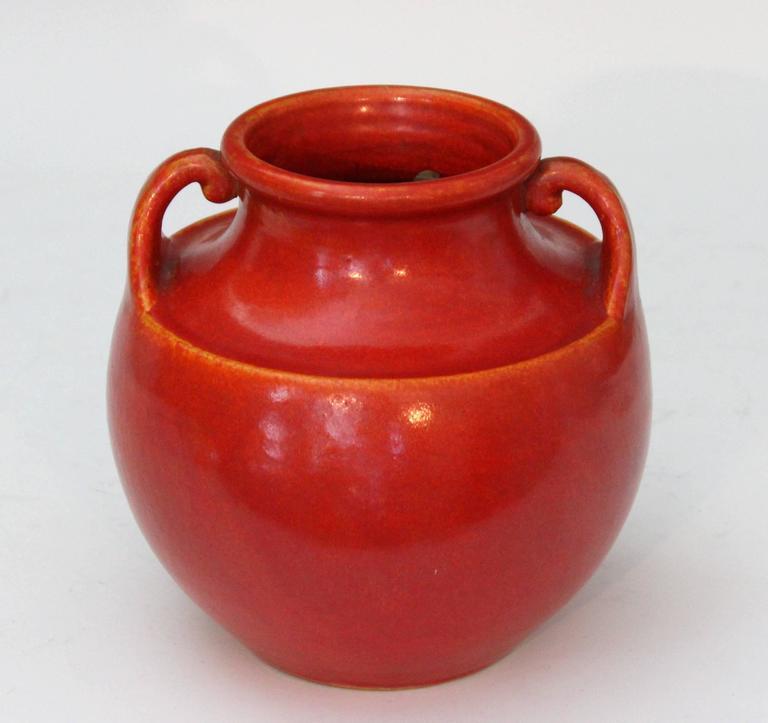 Awaji Pottery Art Deco Vase in Crystalline Chrome Red Glaze For Sale 3