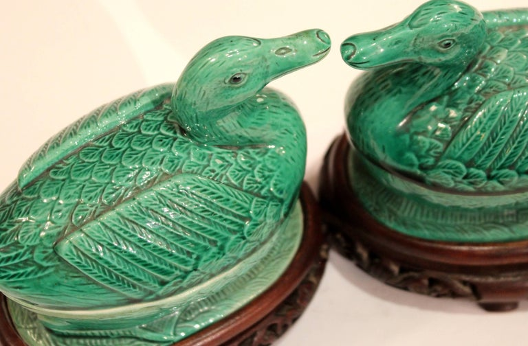 Pair of Chinese Porcelain Bird Figure Covered Boxes Ducks Geese Marked In Excellent Condition For Sale In Wilton, CT