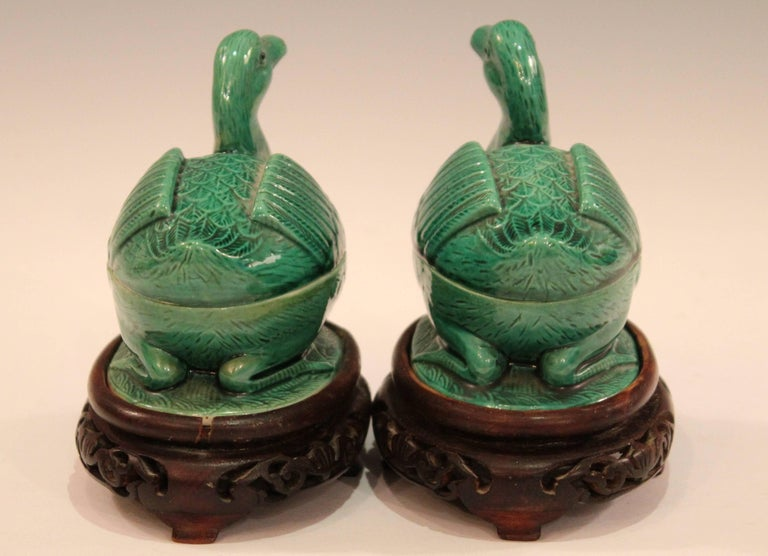 20th Century Pair of Chinese Porcelain Bird Figure Covered Boxes Ducks Geese Marked For Sale
