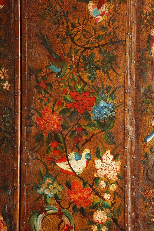 English Six Panel Chinoiserie Polychrome Decorated Leather Screen, circa 1700 For Sale 2