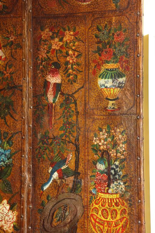English Six Panel Chinoiserie Polychrome Decorated Leather Screen, circa 1700 For Sale 3