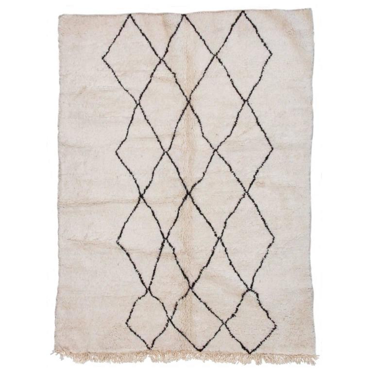 Beni Ourain Moroccan Rug with Three Column Diamond Pattern 1