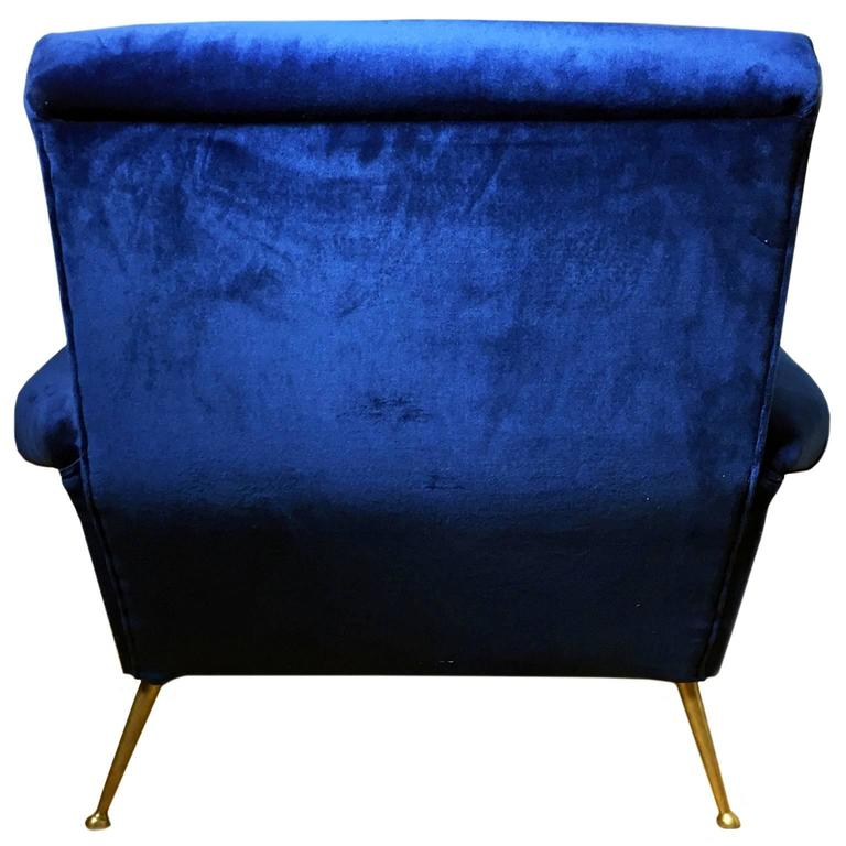Mid-20th Century 1960s Italian Button Back Club Chair in Blue Velvet For Sale
