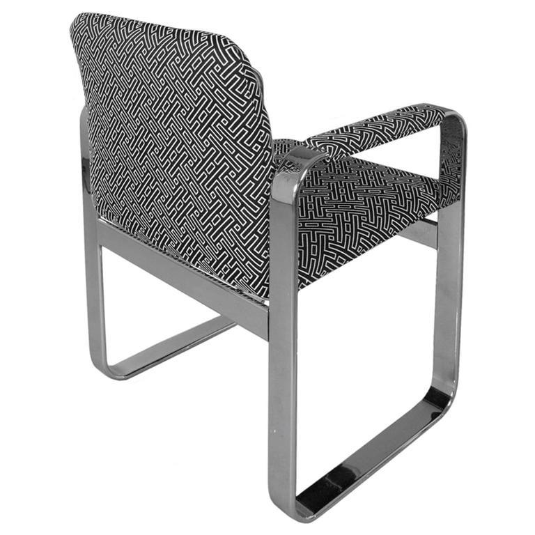 Mid-Century Modern 1970s Rounded Rectangular Chrome Armchair in Black & White Geometric Upholstery For Sale