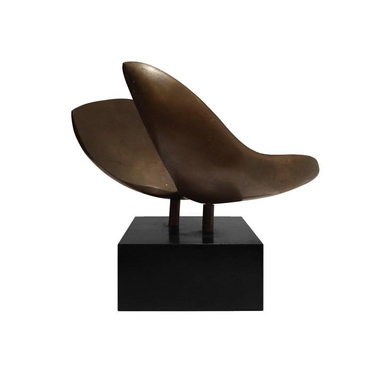 1970s Abstract Bronze Curved Wing Sculpture on Black Base In Good Condition For Sale In New York, NY