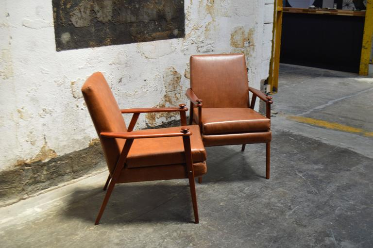 Pair of Mid-Century Modern Side Chairs In Good Condition For Sale In Atlanta, GA