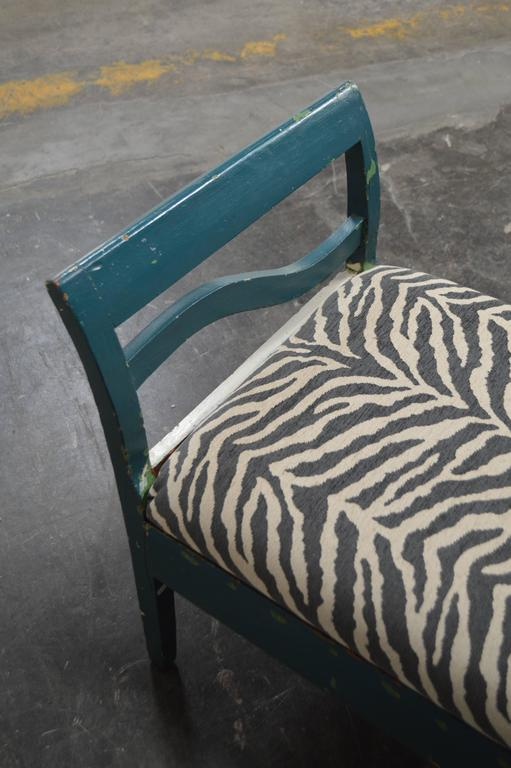 Antique Swedish Gustavian Painted Bench Settee In Distressed Condition For Sale In Atlanta, GA