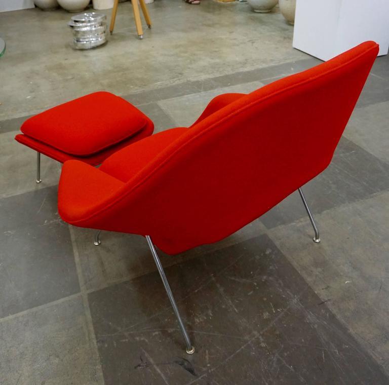 "Eero Saarinen ""Womb"" Lounge Chair and Ottoman 3"