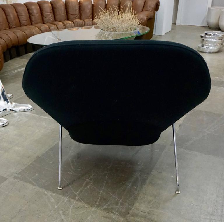 "Eero Saarinen ""Womb"" Lounge Chair and Ottoman 6"