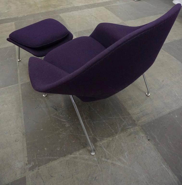 "Eero Saarinen ""Womb"" Lounge Chair and Ottoman For Sale 1"