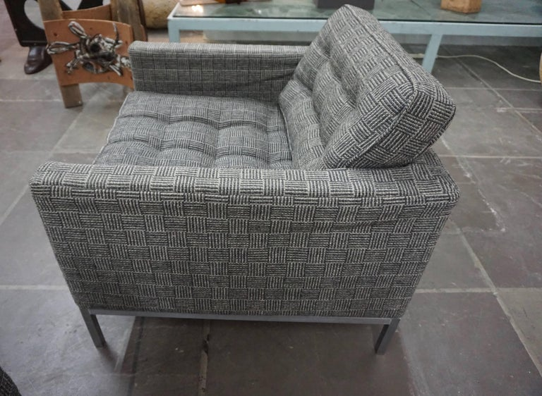 Pair of Knoll Lounge Chairs 3