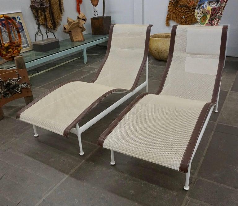 Pair of Richard Schultz Contour Lounge Chairs 8