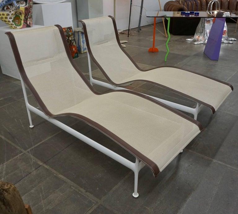 Pair of Richard Schultz Contour Lounge Chairs 10