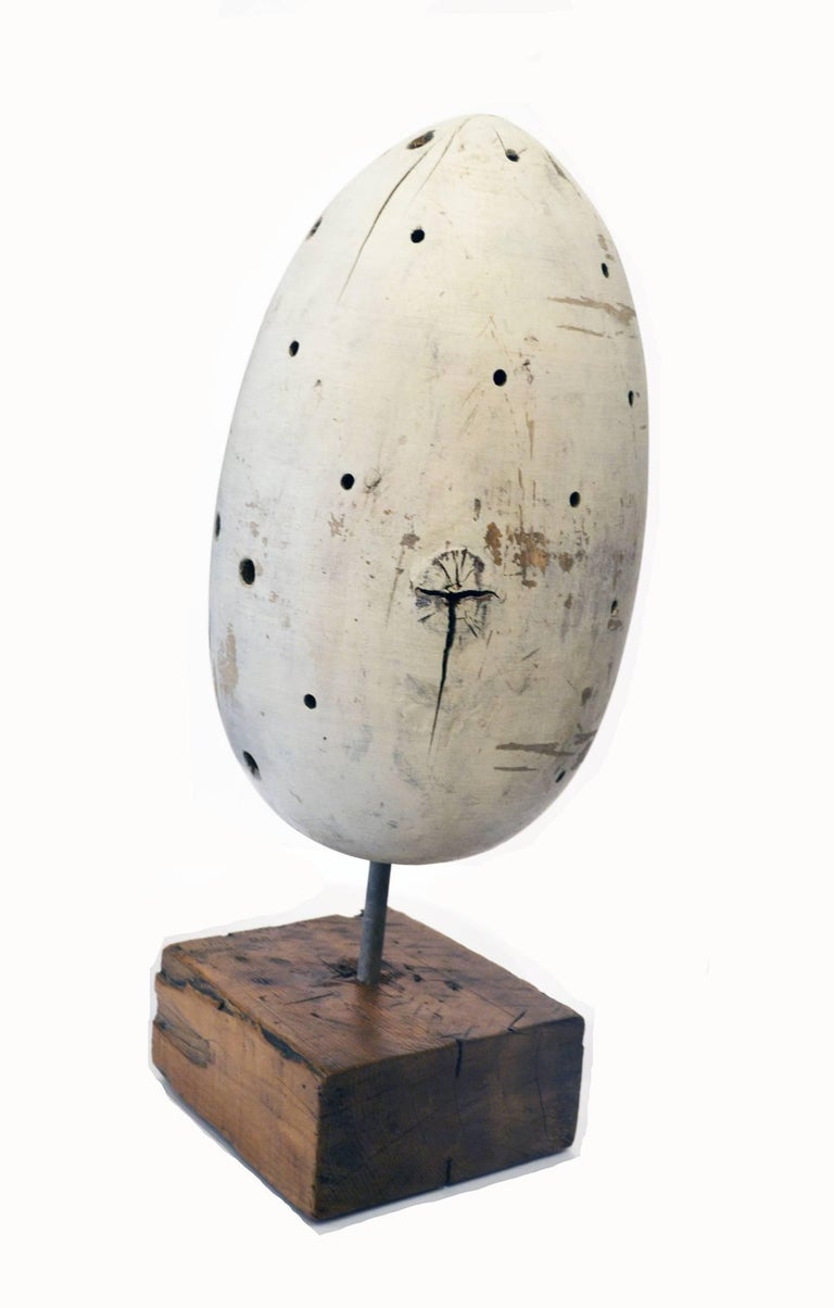 Vintage Carved Wood Egg Sculpture, circa 1950s In Distressed Condition For Sale In Cathedral City, CA