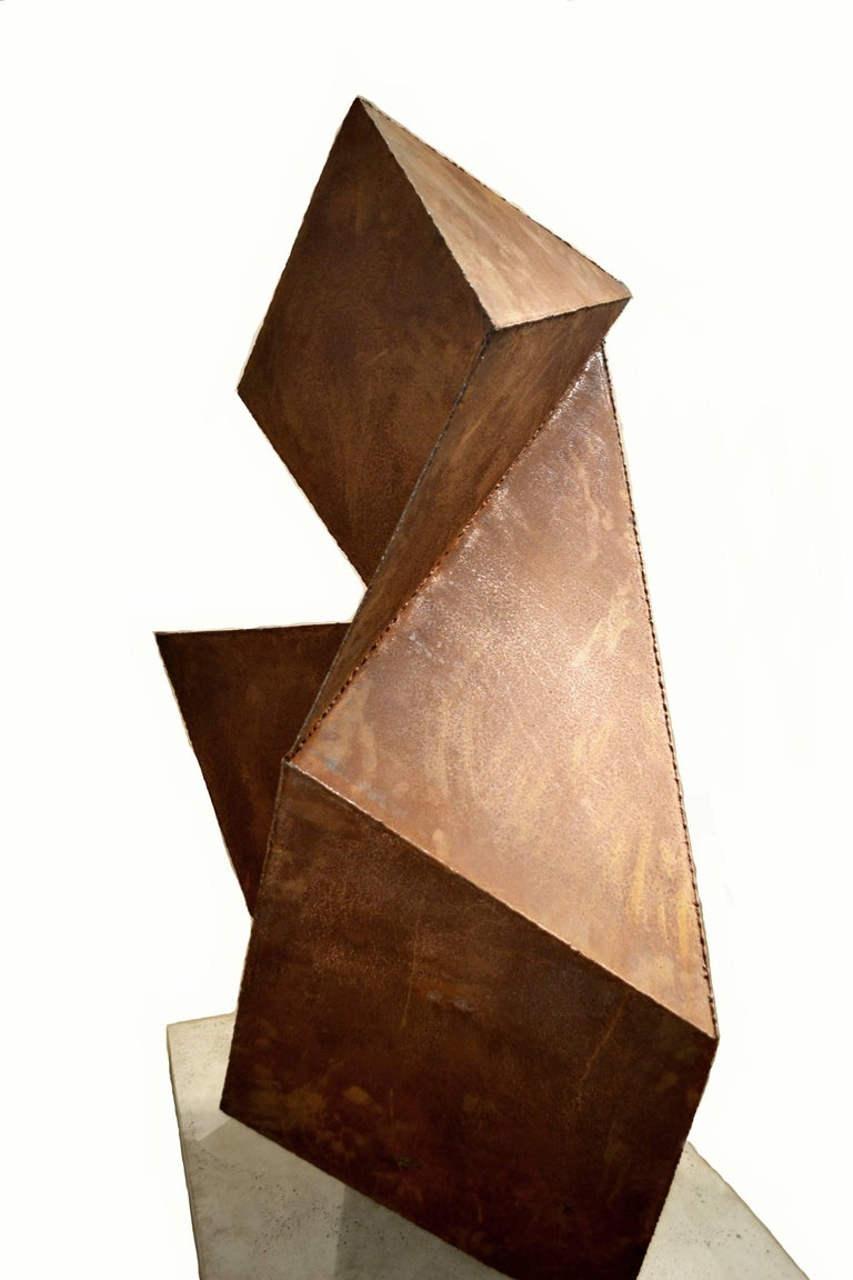 Abstract Steel Vertical Origami Sculpture by Artist Scott Donadio In Excellent Condition For Sale In Cathedral City, CA