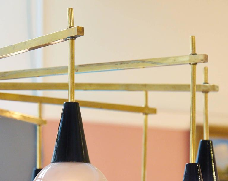 Mid-Century Modern Brass and Murano Glass Chandelier For Sale 4