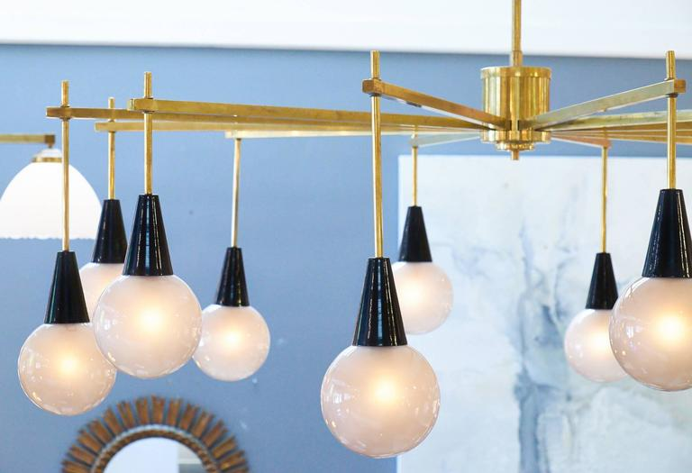 Mid-Century Modern Brass and Murano Glass Chandelier For Sale 1