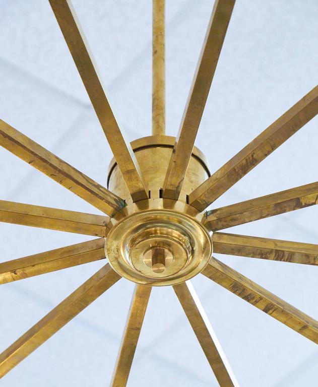 Mid-Century Modern Brass and Murano Glass Chandelier For Sale 3