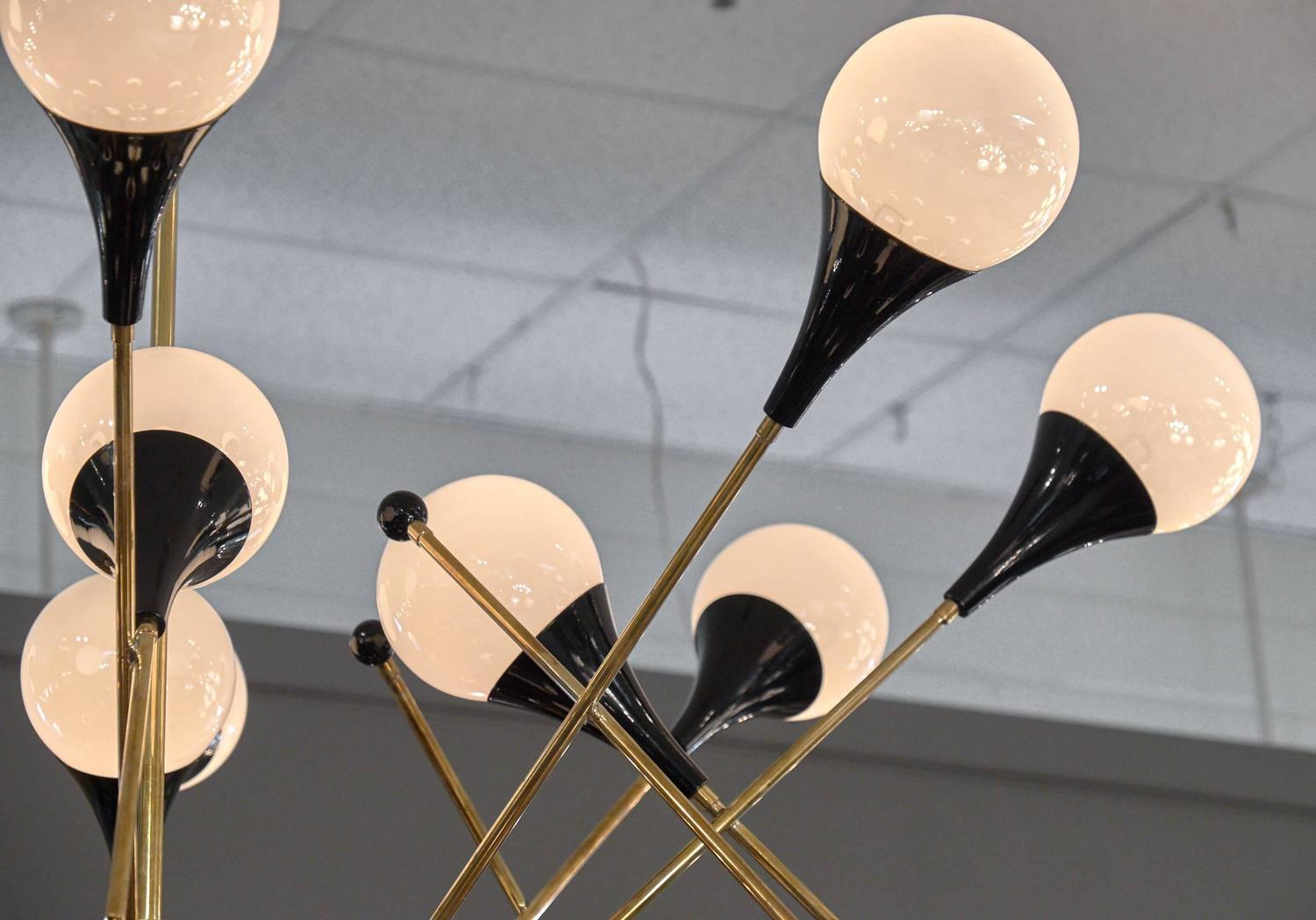Murano Glass And Brass Chandelier In The Style Of Stilnovo