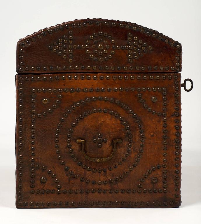 Napoleon III Period 19th Century French Leather Box For Sale 3